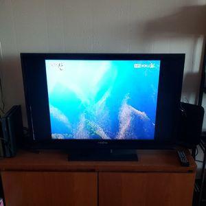 "Insignia 39"" LCD TV + Remote for Sale in Los Angeles, CA"