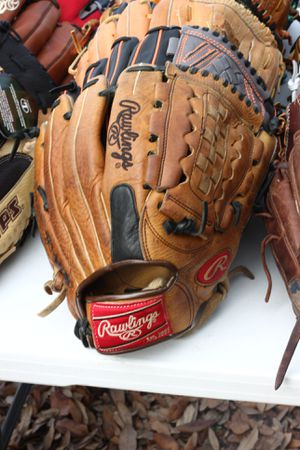 Rawlings oil treated Pro level glove baseball softball custom fitment for Sale in Houston, TX