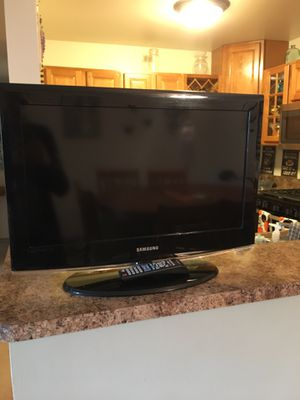 26' HD LCD Samsung TV for Sale in Downers Grove, IL