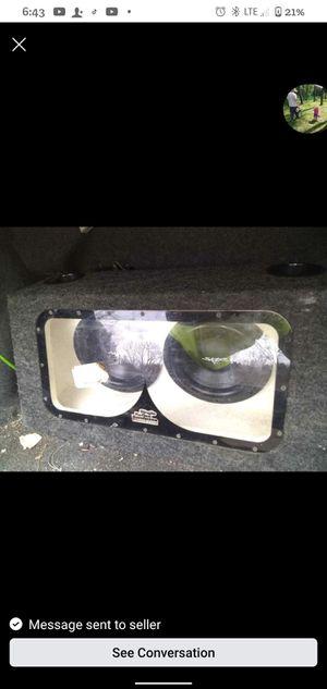 2 10in skar subwoofers an 1500w planet audio amp for Sale in Glen Burnie, MD