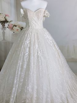 Luxury Sparkling Off The Shoulder Princess Fairy Wedding Dress/ Quinceanera&Sweet 16 Dress for Sale in Fort Lauderdale, FL