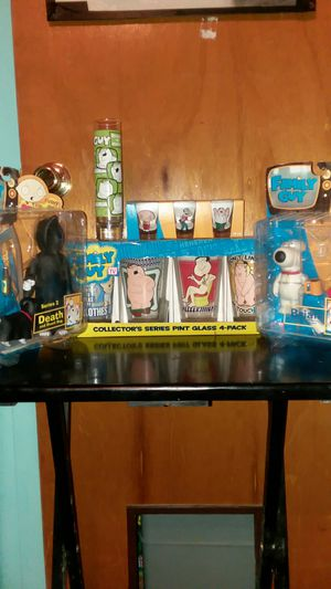 Family Guy collection for Sale in Oak Lawn, IL