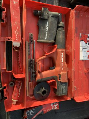 Hilti DX41 powder actuated nail gun with X-AM 72 magazine for Sale in Fort Lauderdale, FL