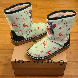 Snow Boots Size 3y For Kids. for Sale in Compton, CA