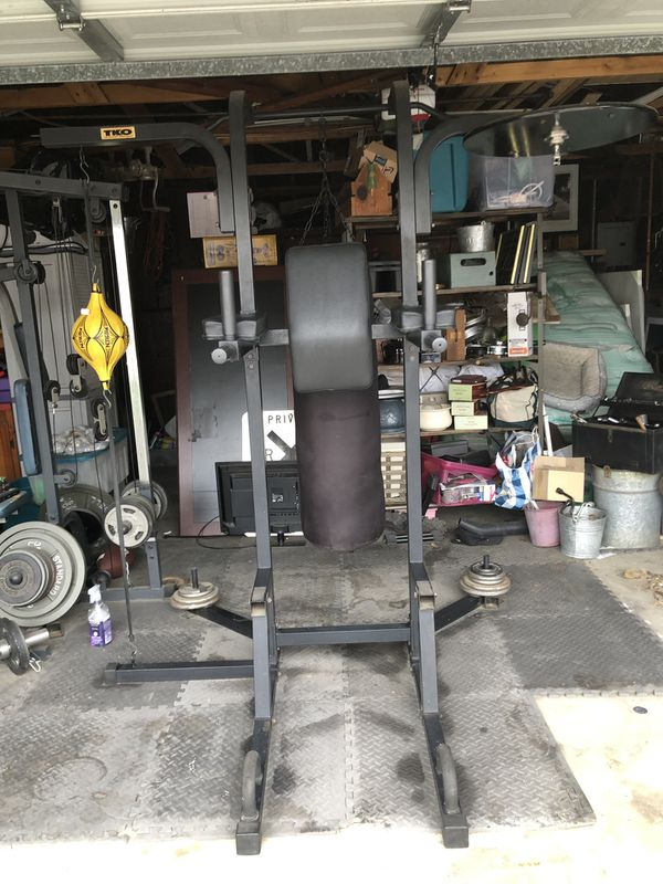 7 station boxing stand in good condition