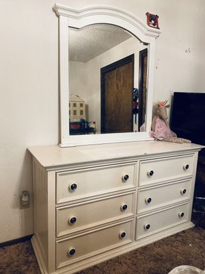 White Dresser Vanity with Mirror for Sale in Fowler, CA