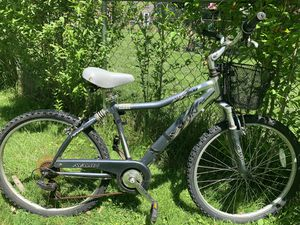 """26"""" ADULT MOUNTAIN BIKE $100 for Sale in Cleveland, OH"""