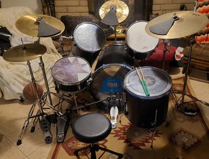 5 piece and 4 symbol drum set with double bass pedals, complete with extra hardware for Sale in Tempe, AZ