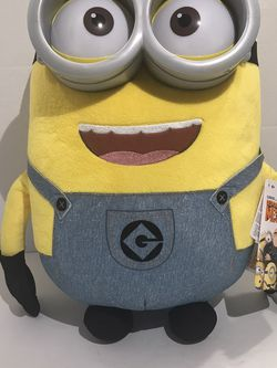 """Jumbo Despicable Me 18""""Plush Talking Minion DAVE w/ light up eyes NWT for Sale in Austell,  GA"""