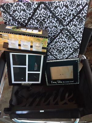 Black & White Room Decor *bundle* for Sale in Greensboro, NC