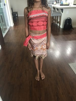 Moana costume and necklace for Sale in Puyallup, WA