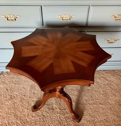 Antique lamp/side table for Sale in Austin,  TX