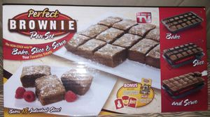Perfect brownie pan set bake slice and serve for Sale in Garden City, MI