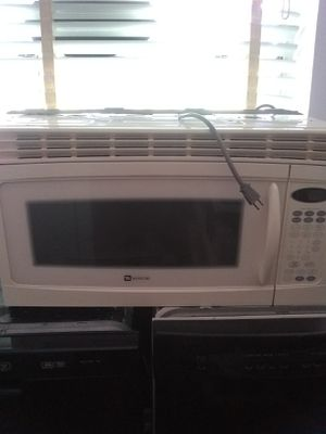 Microwave excellent condition for Sale in Halethorpe, MD