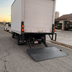Box Truck With Lift Gate for Sale in Las Vegas, NV