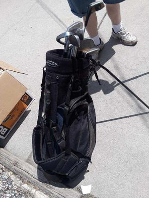 Golf clubs and bag for Sale in Dearborn Heights, MI