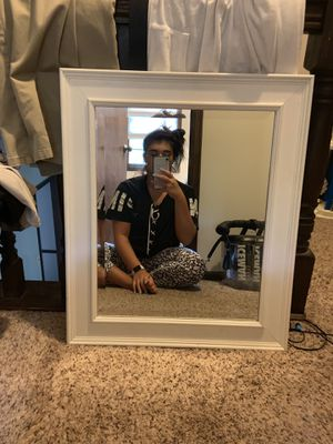 Wall mirror for Sale in Chardon, OH