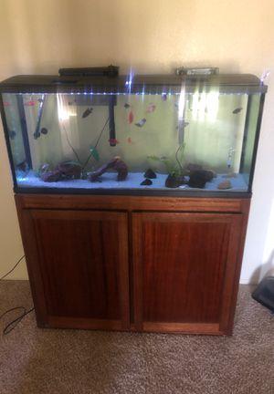 55 gallon with cichlids for Sale in Moreno Valley, CA
