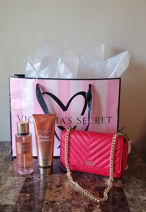 NEW! VICTORIA SECRET SET & PURSE $50FIRM for Sale in Phoenix, AZ