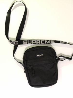 Supreme Shoulder Bag SS18 (black) for Sale in Millbrae, CA