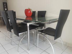 Dining table / Mesa de comedor for Sale in Hialeah, FL