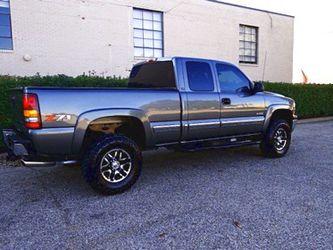 $1,2OO I'm selling urgentl 2OO1 Chevrolet Silverado. for Sale in Mapleton,  IL