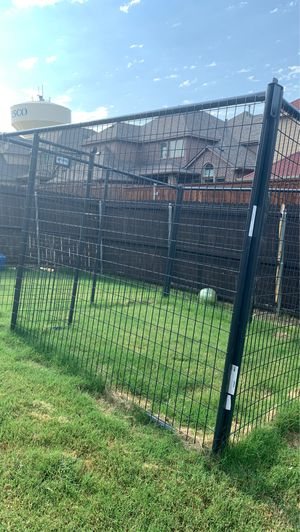 Priefect outdoor dog cage 116 by 116 inches long for Sale in Frisco, TX