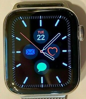 Apple watch series 5 for Sale in Glastonbury, CT