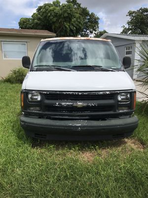 Chevy express 1500 for Sale in Miami, FL