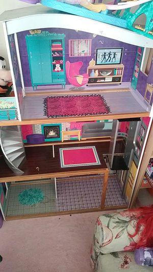 Tall doll house for Sale in Miami, FL