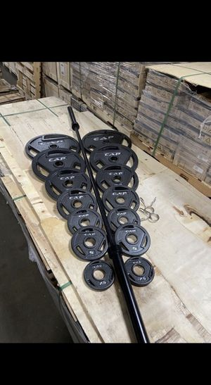 "300 LB Standard Steel Olympic Weight Plates Set- 2"" for Sale in Bell Gardens, CA"