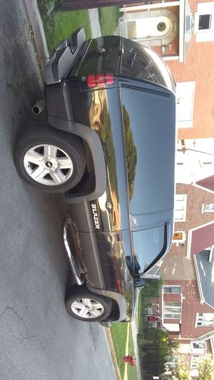Chevy Blazer z87 93 miles for Sale in Chicago, IL
