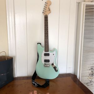 Fender Electric Guitar With Amplifier for Sale in Los Angeles, CA