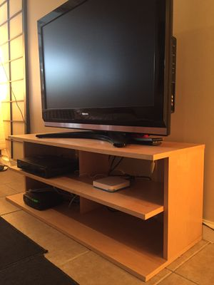 """TV stand with wheels in excellent condition 47""""x17""""x15"""" for Sale in Brooklyn, NY"""