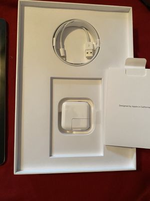 Apple iPad 7th generation for Sale in Clarksville, TN