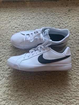 Men ́s shoes Sneakers Nike Court Royale Size 10.5 US for Sale in Los Angeles, CA