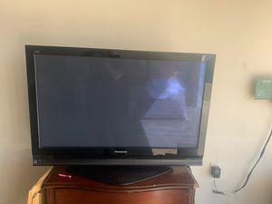 """Panasonic TV 40"""" for Sale in Lakewood, CA"""