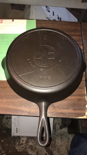 "Griswold 11"" skillet. Model 710 B for Sale in St. Louis, MO"
