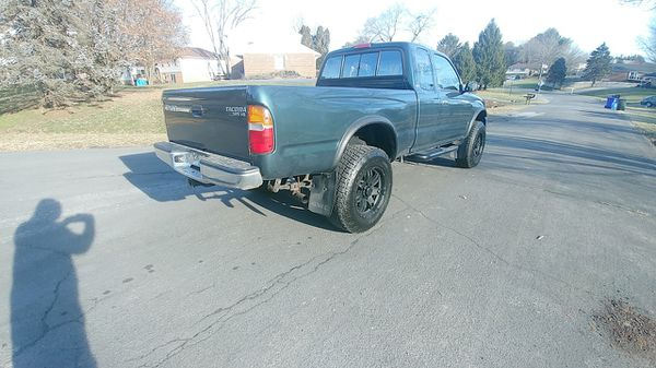 ****TOYOTA TACOMA 4×4 WITH REMOTE STARTER XTRACAB VERY GOOD CONDITION