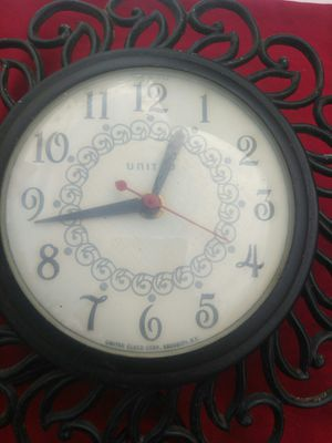 Antique clock for Sale in Gastonia, NC