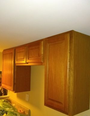 6 Kitchen Cabinets - Ogee Edge Countertop - Shelves - Trim - $25 Each for Sale in Carol Stream, IL