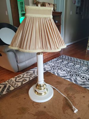 26 inch white metal lamp for Sale in Saint Charles, MO