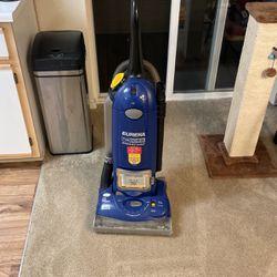 Eureka vacuum for Sale in Beaverton,  OR