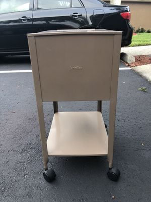 """File Cabinet With Wheels ( 13.5"""" w x 17.5"""" d x 27.75"""" Tall) for Sale in Orlando, FL"""