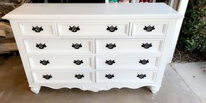 Dresser or 9 drawers for Sale in Grand Terrace, CA