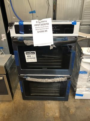 Frigidaire double oven stainless steel with manufacturers warranty for Sale in New Lenox, IL
