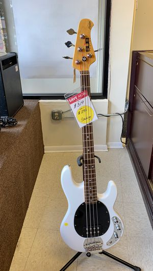 Bass Guitar for Sale in Chicago, IL