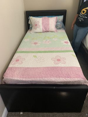 Twin bed for Sale in Stockton, CA