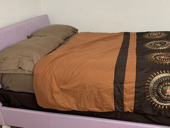 Twin Bed for Sale in Pitcairn,  PA