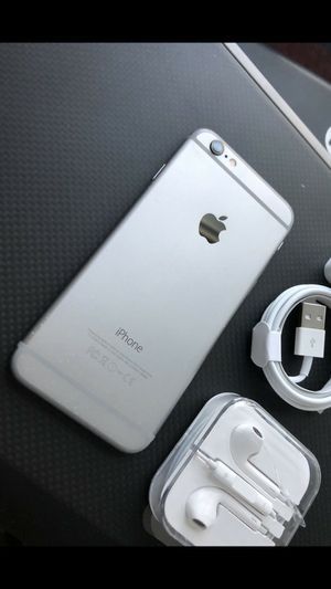 iPhone 6 64 GB : Excellent Condition , Factory unlocked. for Sale in Springfield, VA